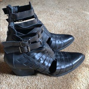 Chinese Laundry Cage Bootie